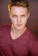 Austin Brooks profil resmi