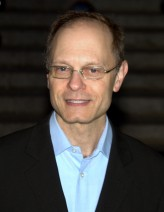 David Hyde Pierce profil resmi