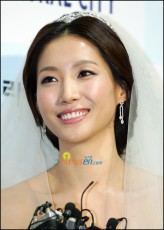 Lee Seon-jin profil resmi