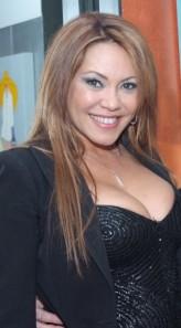Linda Batista (i)