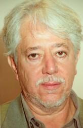 Luis Puenzo profil resmi