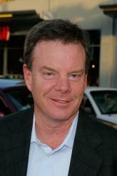 Robert G. Tapert profil resmi