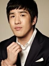 Shin Hyeon-tak profil resmi