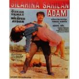Silahına Sarılan Adam (1966) afişi