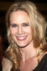 Stephanie March profil resmi