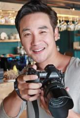 Uhm Tae-woong profil resmi