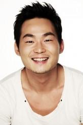 Yoon Bong-Gil