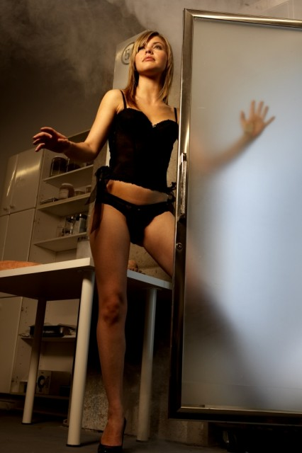 Vanessa Broze Naked 43
