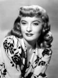 Barbara Stanwyck profil resmi