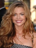 Denise Richards profil resmi