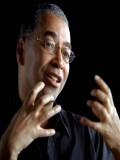 Remi Adefarasin profil resmi