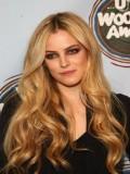 Danielle Riley Keough profil resmi