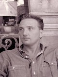 Derek Lyons profil resmi