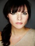 Ella Bowman profil resmi