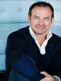 Ian James Corlett profil resmi