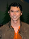 Lou Diamond Phillips profil resmi