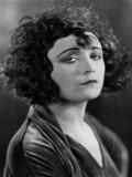 Pola Negri profil resmi