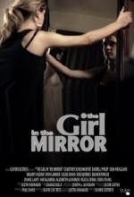 Aynadaki Kız (2010) afişi
