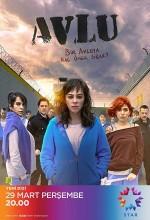 Avlu (2018) afişi
