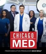 Chicago Med (2015) afişi
