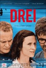 Üç (2010) afişi