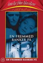 En Fremmed Banker På (1959) afişi