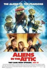 Evimde Uzaylı Var (2009) afişi