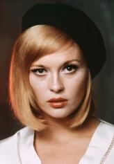 Faye Dunaway profil resmi