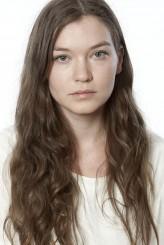 Hannah Gross Oyuncuları