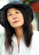 Hwang Seok-jeong profil resmi