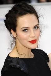 Jessica Brown-Findlay Oyuncuları