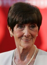 June Brown Oyuncuları