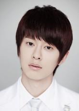 Kim Dong-hyun (i) Oyuncuları