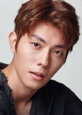 Lee Kang-min (i) Oyuncuları