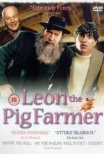 Leon the Pig Farmer (1992) afişi