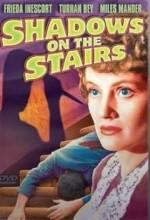 Merdivenlerdeki Gölgeler (1941) afişi