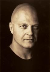 Michael Chiklis profil resmi
