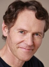 Michael Gough (i)