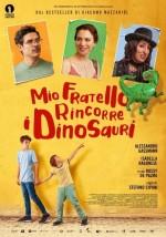 Mio fratello rincorre i dinosauri (2019) afişi