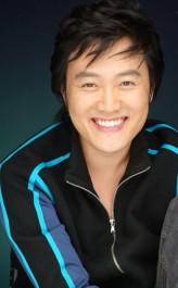 Moon Chun-Sik profil resmi