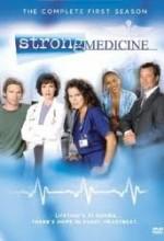 Strong Medicine (2002) afişi