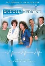 Strong Medicine (2000) afişi