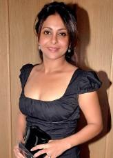 Shefali Shah Nee Shetty Oyuncuları