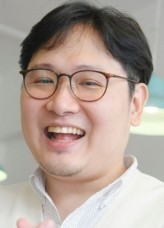 Sin Yong-woo