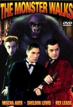 The Monster Walks (1932) afişi