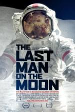 The Last Man on the Moon (2014) afişi