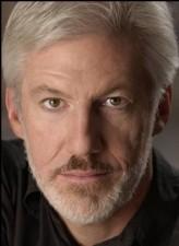 Tom Dugan profil resmi