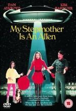 Üvey Annem Bir Uzaylı (1988) afişi