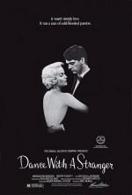 Yabancıyla Dans (1985) afişi