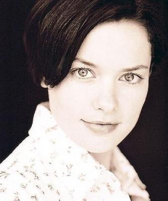 Gina Holden Resimleri 47